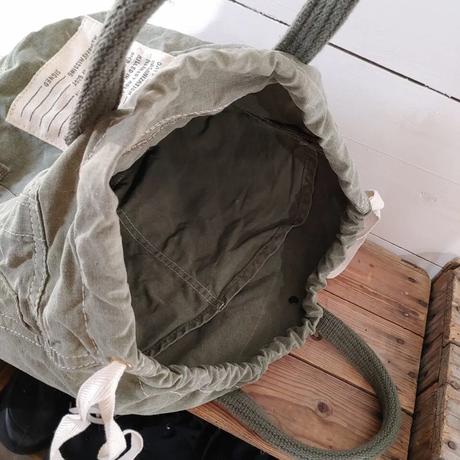 USテントの巾着バッグ