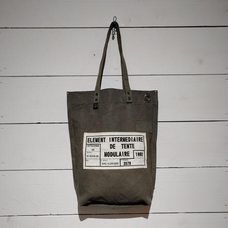 モジュラーテント収納袋の薄型トート