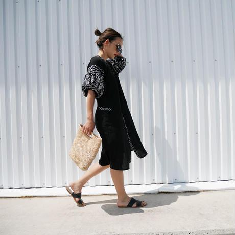 ボリュームスリーブ刺繍カフタンドレス/ black