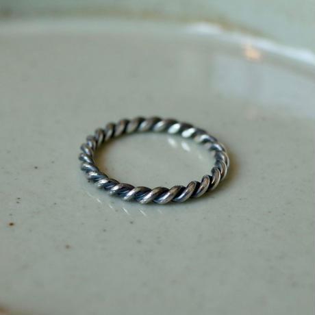Silver W-Twist Ring [RC-RG021]