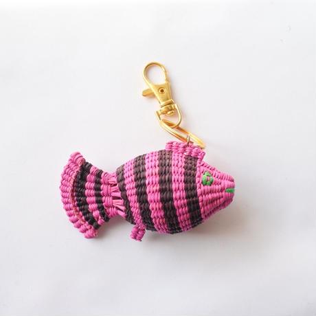 金魚キーホルダー ピンク×黒