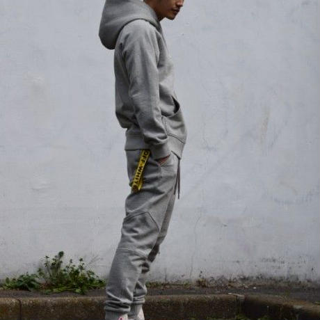 Slim-fit Tapered Sweat Pants  Heather Gray  19S-202