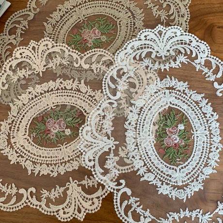 lace刺繍interior mat