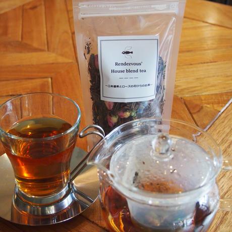 ランデヴーのハウスブレンドティー~三年番茶とローズの花びらのお茶~