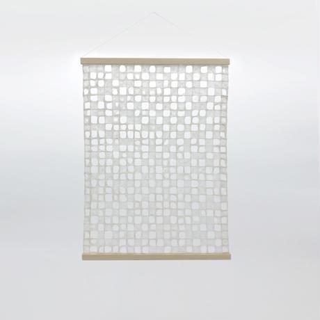 呼吸する和紙のタペストリー