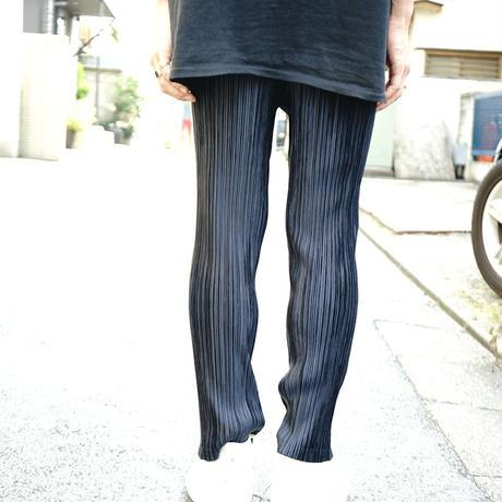 ISSEY MIYAKE PLEATS pants