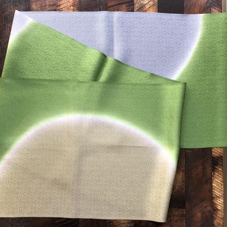 鮮やかなグリーンの帯揚