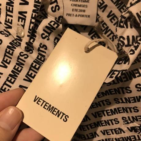 新品タグ付き★2018SS★VETEMENTS ヴェトモン オーバーサイズ ブランドロゴ 総柄 モノグラム シャツ XSサイズ ホワイト