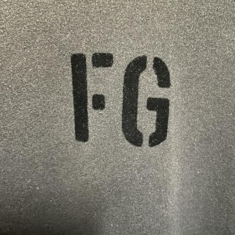 S★新品タグ付 Fear of God 7th collection フィアオブゴッド FG ブランドロゴ ビンテージ加工 Tシャツ