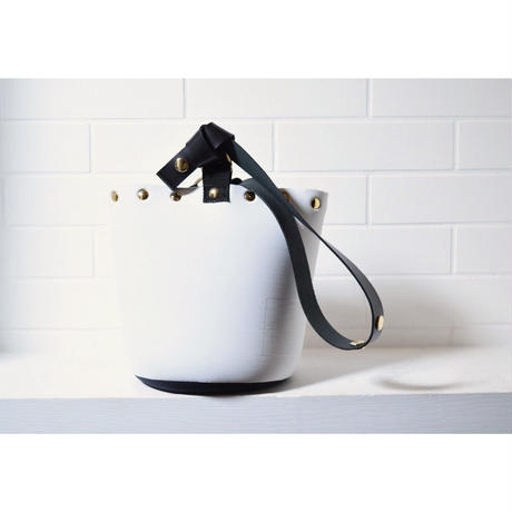 Lozzsandra/Reversible bucket bag