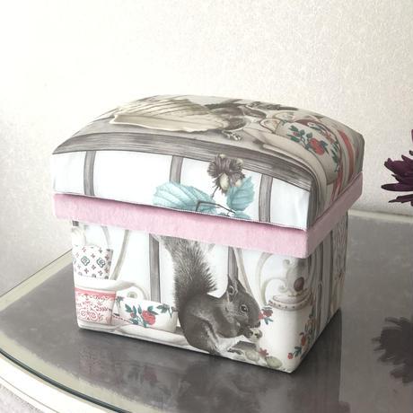 specialプライス 完成品 1キロ茶箱 オズボーンアンドリトル● 送料は着払いとなります。