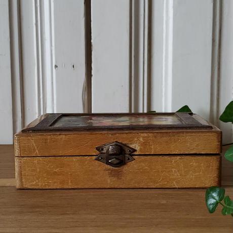 猫のプリント画のウッドボックス