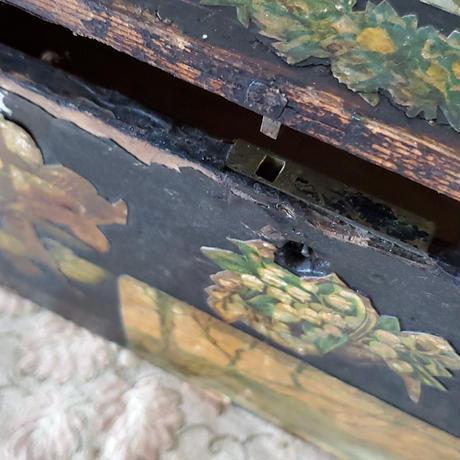 クロモスデコパージュの黒木箱