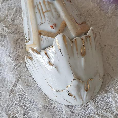 聖母マリアとキリストの聖水盤