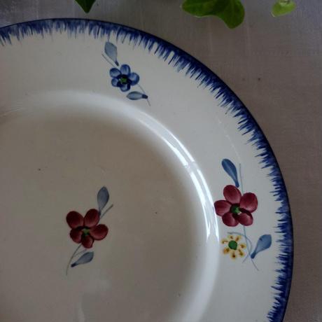 手描きのお花がかわいいマリー・ルーのプレート#2