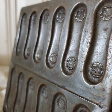 ラング・ド・シャ 猫のチョコレートモールド