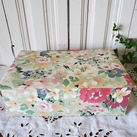 花柄フレンチカルトナージュボックス