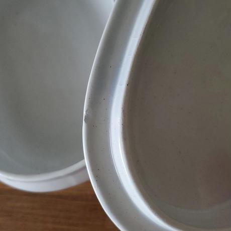 コロンとした白磁のバターケース/蓋つきポット