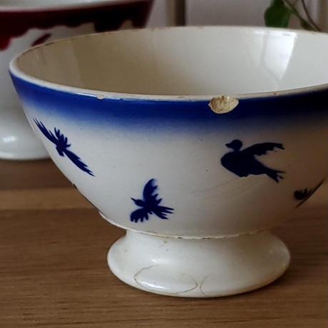 ツバメ柄青の小さめカフェオレボウル