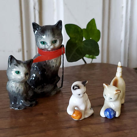 ネコの親子のフィギュリン/ゲーベル社