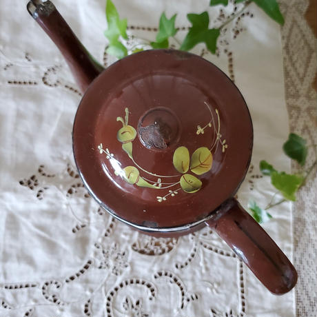 手描きチョコレート色のコーヒーポット
