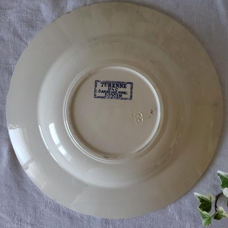 サルグミンヌお花とリボンのガーランドが可愛らしい深皿