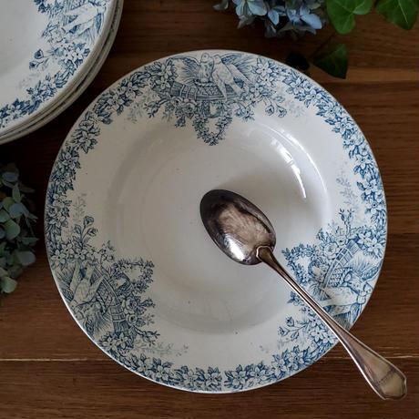 真っ白い鳩とお花のガーランドのスーププレート#4