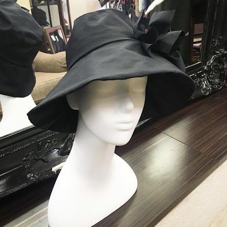 これさえあれば大丈夫!メイクなしで外出できる優れものヘップバーン帽子