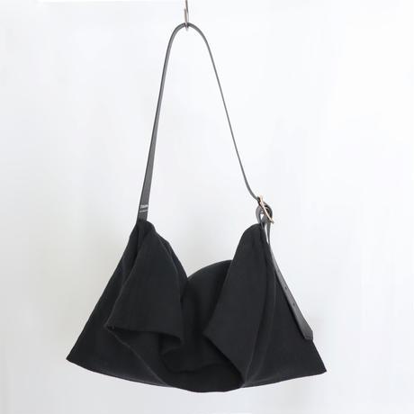 ラミーリネンとレザーのロングベルトバッグ(ブラック)