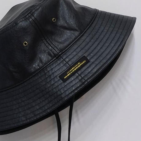 BEGAN LETHER STRAP BUCKET HAT (BLACK)