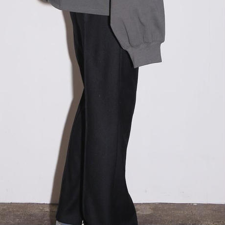 SOLID CREASE SIDE ZIP FLARE TROUSERS(BLACK)