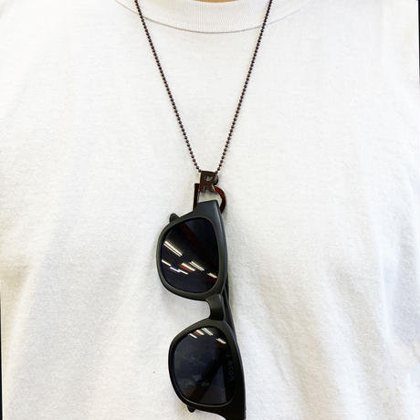 "RCDR ""RD"" EYE WEAR HOLDER NECKLACE / BLACK"