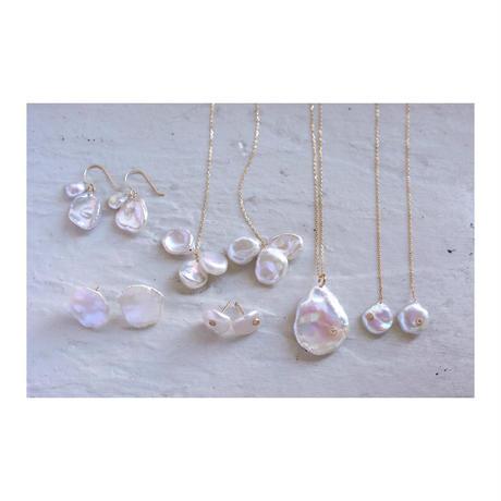 Petal pearl chain earrings S