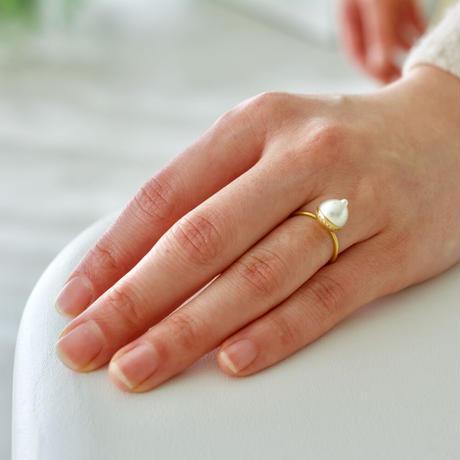 Collet akoya pearl ring