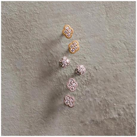 Fleur diamond earrings