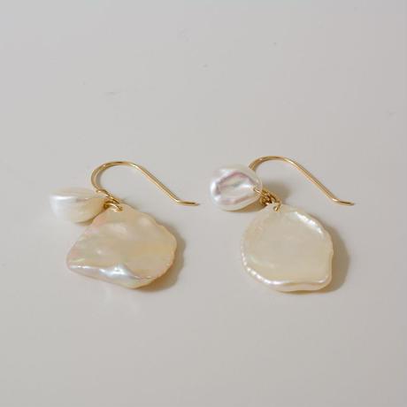 Petal pearl hook earrings