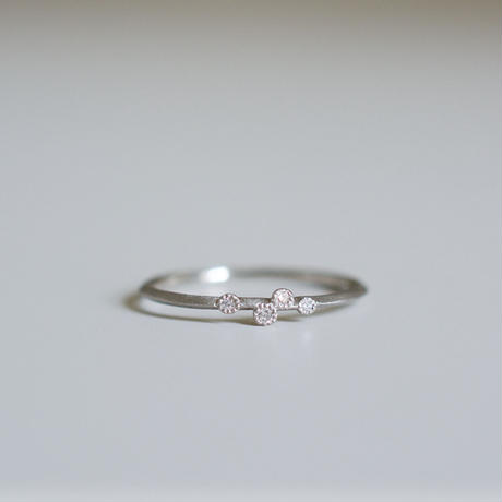 Spread diamond ring 4 PT