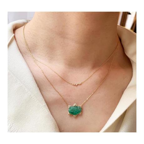 Spread diamond necklace