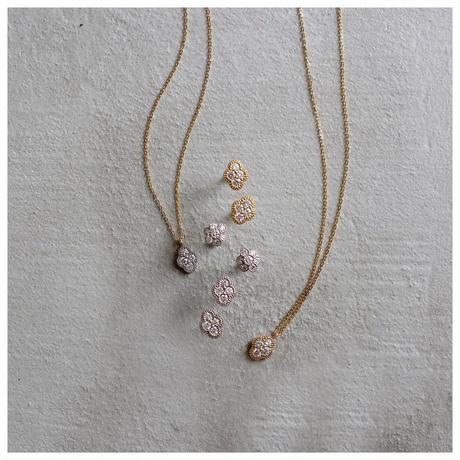 Bloom diamond necklace