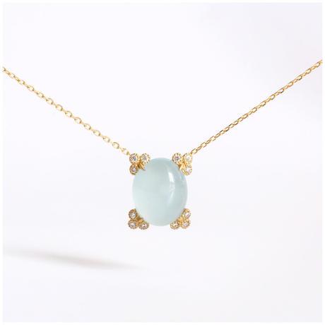 Spread aquamarine necklace