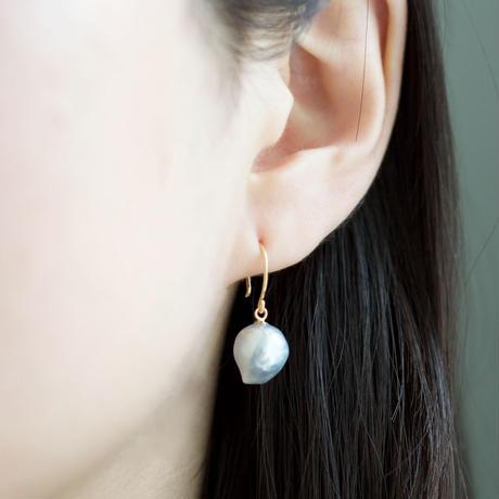 Baroque akoya pearl hook earrings