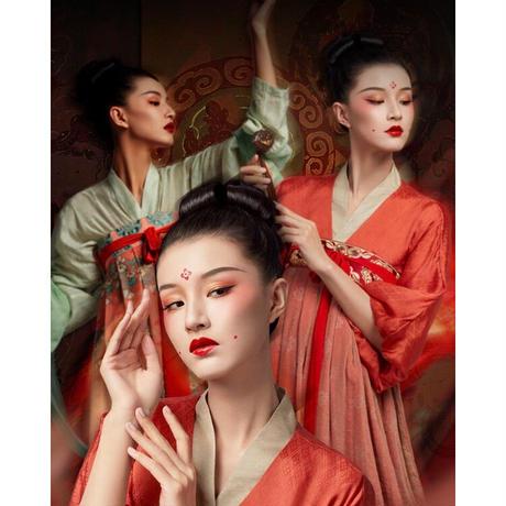 鶴禧覚色 × 故宮博物院 コラボ・敦煌リップ(乐舞飞天・朱砂红)