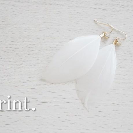 一粒ビジューフェザーピアス ホワイト