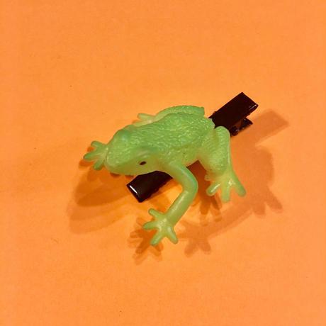 カエル ヘアクリップ アクセサリー 黄緑 Frog Hair clip light green