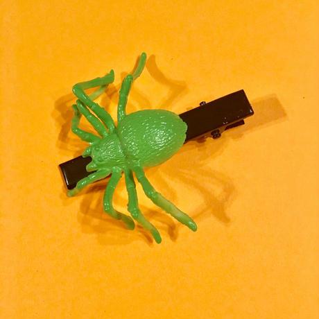 クモ  ヘアクリップ アクセサリー 緑 Spider Hair clip green