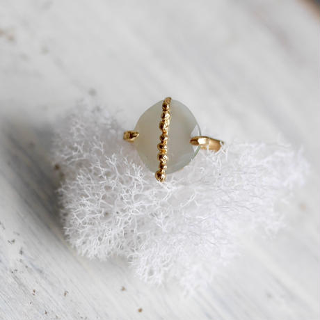 Gray moonstone×dot ring