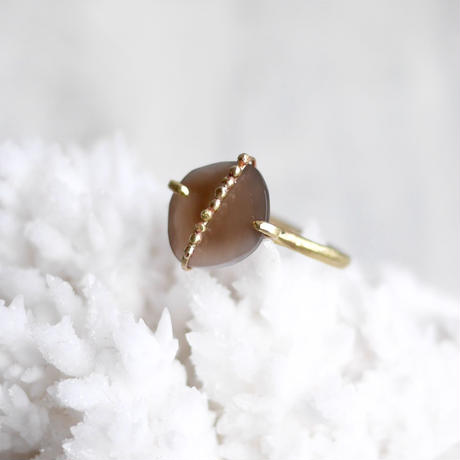 Brown moonstone dot ring