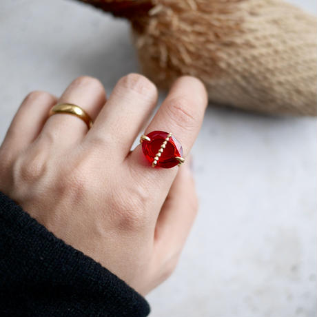 Quartz dot ring<Red colored>