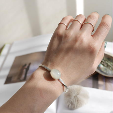 Moon stone bezel bangle-925