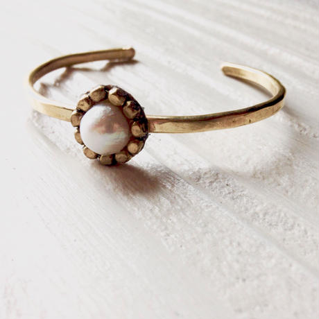Freshwater pearl bangle